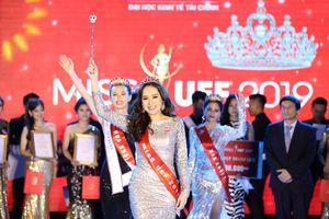 Phan Ngọc Quý đăng quang hoa khôi Miss UEF 2019