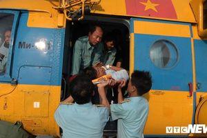 Dùng trực thăng đưa bệnh nhân liệt tứ chi từ Trường Sa vào đất liền cấp cứu