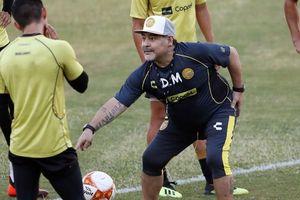 'Cậu bé vàng' Maradona xác nhận có ba con rơi ở Cuba
