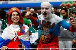 Hàng nghìn 'di dân World Cup' sống trong nỗi sợ bị Nga trục xuất