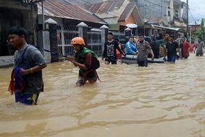 Lũ lụt tấn công miền Đông Indonesia