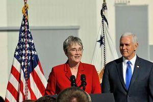 Hai quan chức Mỹ đồng loạt thông báo từ chức