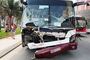 Xe khách đâm xe ben gây tai nạn liên hoàn