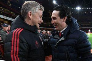 Arsenal đấu MU: Đội thua sẽ mất vé dự C1!