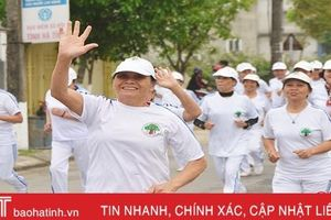 Hơn 700 người tham gia Ngày chạy Olympic tại TX Hồng Lĩnh