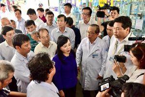 Bộ trưởng Bộ Y tế: 'TP.HCM nắm đối tượng tiêm vắc xin sởi còn lỏng lẻo'