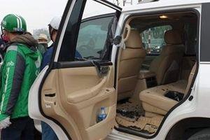Thanh niên 8X giả lái xe Grab đập kính Lexus trộm đồ hàng trăm triệu