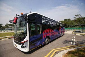 Ra mắt xe bus điện không người lái đầu tiên trên thế giới
