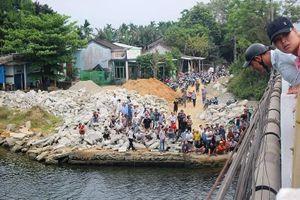 Thanh niên bỏ xe máy trên cầu rồi gieo mình xuống sông Tam Kỳ