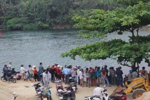 Để lại xe máy trên cầu, người đàn ông nhảy xuống sông tự tử