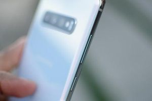 Làm thế nào để sử dụng 'nút thừa' trên điện thoại Galaxy?