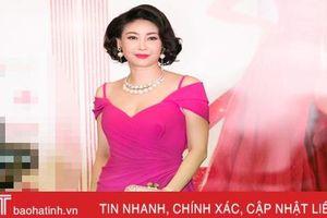 Dàn sao Việt lộng lẫy trên thảm đỏ 'Đêm hội chân dài 12'