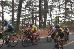Chặng 3 giải xe đạp nữ quốc tế Bình Dương lần 9: Cạnh tranh quyết liệt trên đường đèo