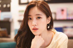 Fan 'phát sốt' với khoảnh khắc 'hậu đậu' siêu đáng yêu của Eunjung (T-ara) tại Việt Nam