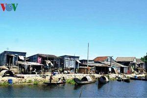 Xóm nhà chồ cuối cùng trên phá Tam Giang được an cư