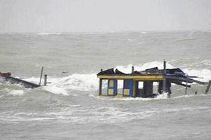 Gặp nạn trên biển, 2 vợ chồng ngư dân tử vong