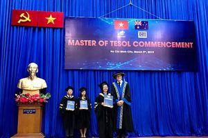 27 tân Thạc sĩ chương trình liên kết giữa ĐH Mở TPHCM và ĐH Edith Cowwan nhận bằng tốt nghiệp