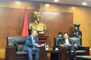 Thứ trưởng Hoàng Quốc Vượng tiếp và làm việc với Đại sứ Vương quốc Anh tại Việt Nam
