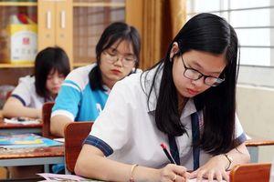 Chọn bài thi tổ hợp nào?
