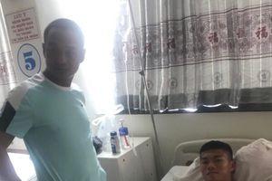 Trung vệ đội U.19 SHB Đà Nẵng Duy Bảo chưa thể mổ do gãy cả xương mác lẫn xương chày