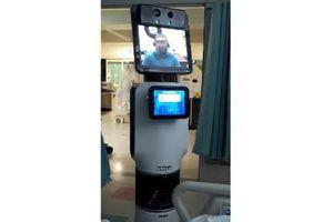 Bác sĩ Mỹ thông báo bệnh nhân sắp qua đời bằng...robot video