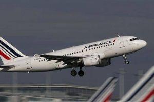Máy bay Pháp chở hơn 500 hành khách bị lỗi động cơ giữa hành trình
