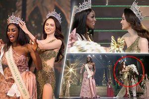 Khoảnh khắc Hương Giang 'cầm luôn' cúp của tân hoa hậu MIQ: Fan đùa 'chị trả cho Nhật Hà'