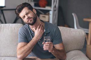 Dấu hiệu cảnh báo ung thư ở nam giới thường bị bỏ qua