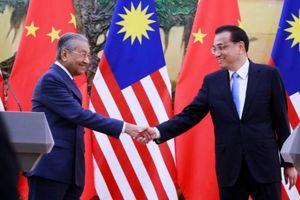 Thủ tướng Malaysia nói thà nghiêng về Trung Quốc còn hơn Mỹ