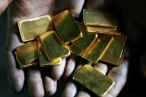 Trung Quốc tăng cường mua vàng để 'tránh' USD