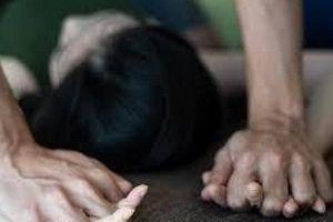 Bắt gã trai 9X nghi dụ nữ sinh lên sân thượng chung cư cưỡng hiếp