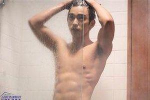 Jin Young (GOT7) khiến các fan 'xịt máu mũi' khi khoe body rắn chắc trong 'He Is Psychometric'