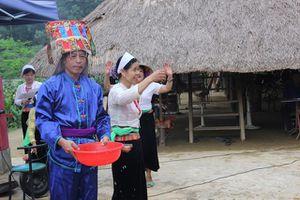 Hòa Bình: Người Mường đánh thức ma Khú cầu mưa