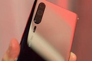 Huawei bị tố gian dối dùng ảnh từ DSLR quảng cáo cho P30 series