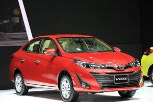 Toyota Vios 'hụt hơi', bị đối thủ Hyundai Accent bỏ xa