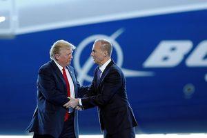 Ông Trump điện đàm với CEO của Boeing