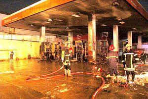 Lo cháy nổ cửa hàng kinh doanh xăng, dầu, gas