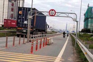 Dải bêtông trên cao tốc chặn xe chạy 'láo' gây tai nạn thảm khốc