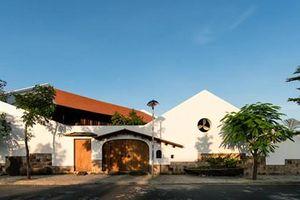Nhà gỗ mang hơi thở Bắc Bộ ở Nha Trang