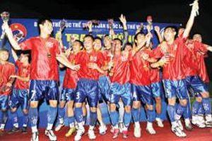 Bình Định gặp khó trước giải bóng đá hạng nhất