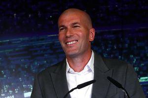 Zidane trở lại Real Madrid nhưng lương chỉ bằng một nửa Simeone