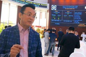 Cổ phiếu bị bán tháo, đại gia Nhượng tống tung 'tiền tỷ' ứng cứu