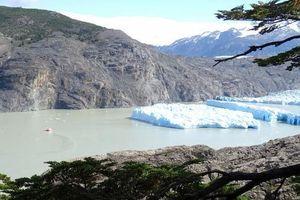 Giới khoa học cảnh báo nguy cơ lở băng liên tục tại Chile