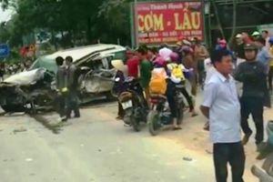Đi lấn làn, tài xế xe 7 chỗ bị xe khách tông tử vong
