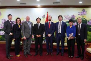 Tăng cường quan hệ hợp tác Việt Nam - IIB