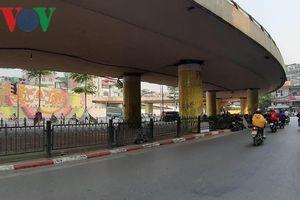 Hà Nội xin được tiếp tục trông giữ xe dưới gầm cầu vượt
