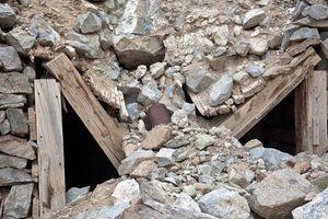 Sập mỏ thiếc ở Nghệ An, 3 người bị vùi lấp