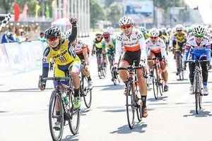 Tay đua Thái Lan khẳng định ngôi đầu áo xanh Biwase