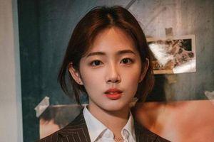 Nữ sinh Hàn được khen là 'phép cộng hoàn hảo' của ca sĩ Sulli và Suzy