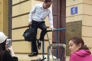 Bị la ó, Sở KH-ĐT lo sợ đóng cổng: 'Bất đắc dĩ'